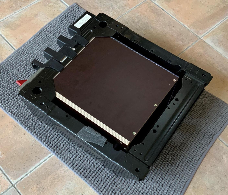 Batterie_im_Sitzkasten.jpg